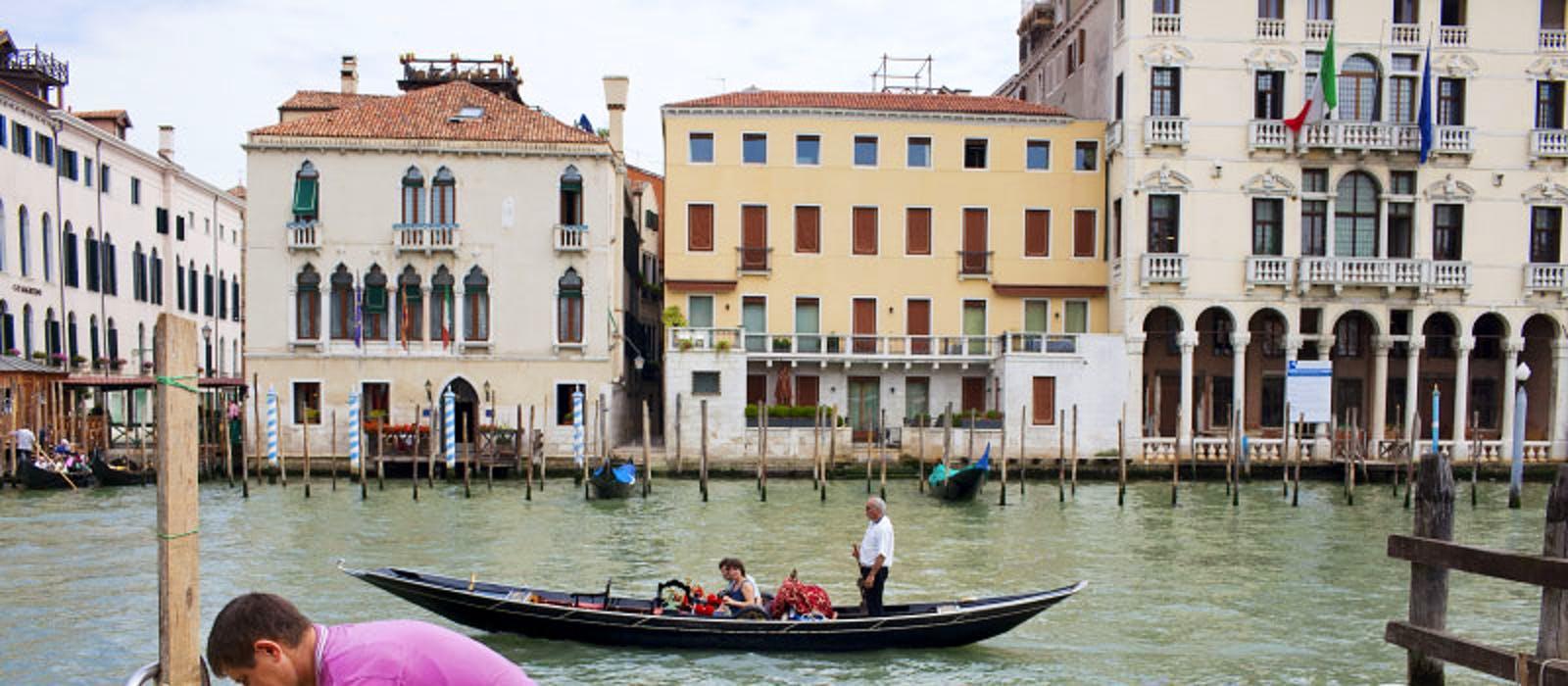 original_Dench_Venice140.jpg